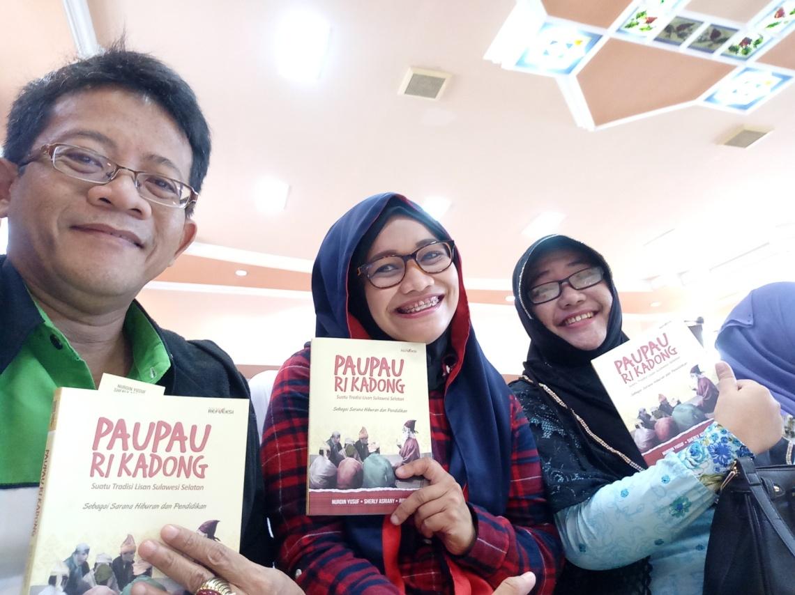 Beberapa pendongeng kota Makassar yang tergabung dalam Dongkel with Mobile Library - dokumentasi pribadi